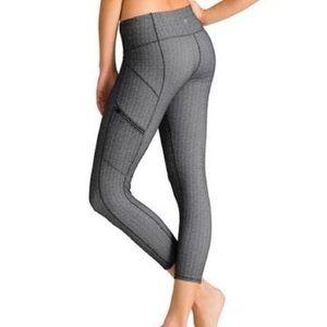 Athleta Pants - Athleta Static Drifter Capris Herringbone Leggings
